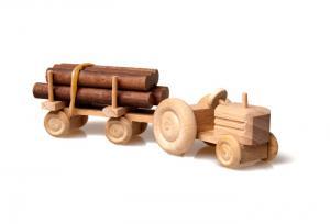 Деревянный трактор своими руками 15